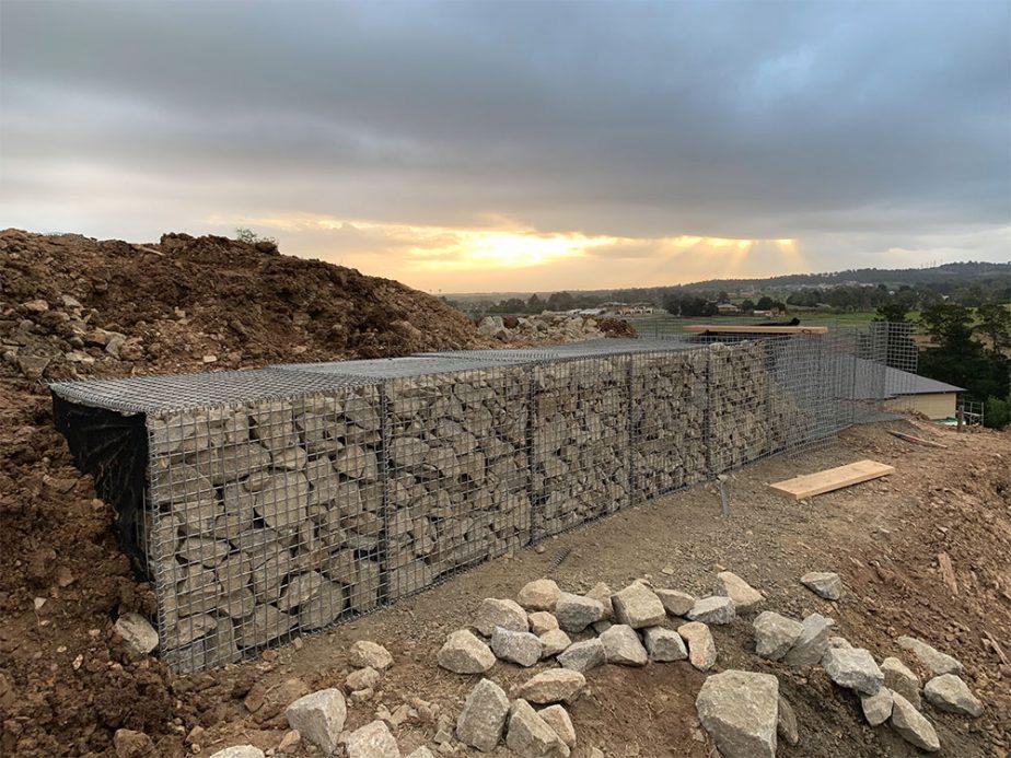 Gabion-wall-rock